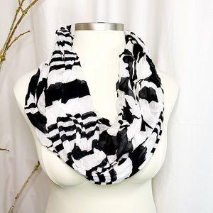 Black & White Cowl Scarf